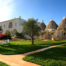 """Masseria Cervarolo: a stylish 16th-century farmhouse with """"trulli"""" in Puglia"""